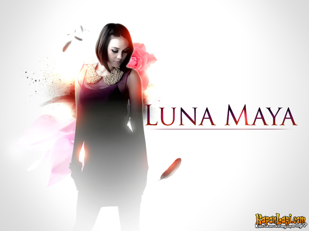 wallpaper artis in hot Luna Maya